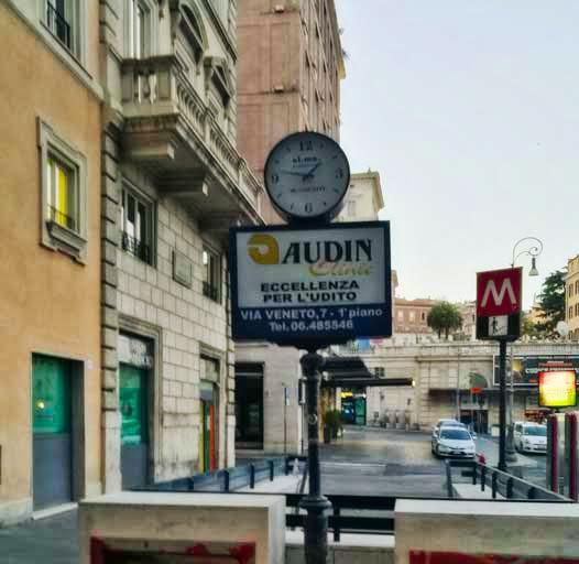 Piazza Barberini - Quartiere Trevi